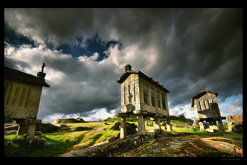 Landscape photography in Gerês, located in Portugal, made by landscape photographer José Ramos, depicting a group of espigueiros