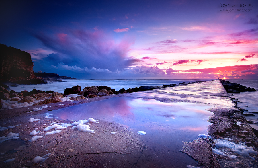 Long exposure waterscape photography in Ferragudo peer, in the Algarve region, made by landscape photographer José Ramos from Portugal