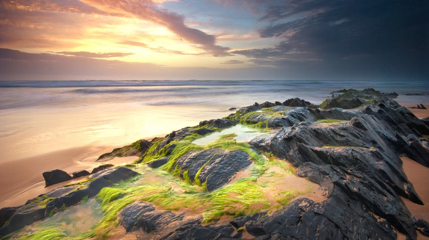 Long exposure waterscape sunset photography in Cordoama Beach, in the Costa Vicentina, Algarve region, made by landscape photographer José Ramos from Portugal