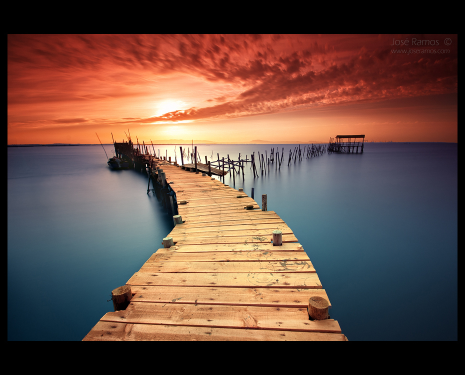 Alentejo waterscape photography in Cais Palafítico of Carrasqueira, made by landscape photographer José Ramos from Portugal