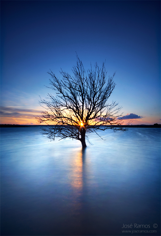 Alentejo waterscape photography in the Alqueva dam, made by landscape photographer José Ramos from Portugal