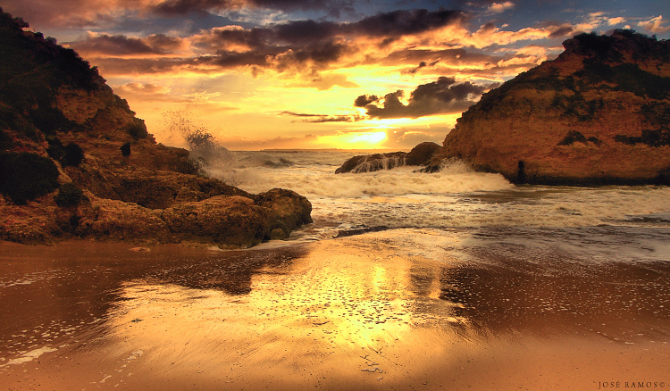 Algarve waterscape photography in 3 Irmãos beach, near Alvor, made by landscape photographer José Ramos from Portugal