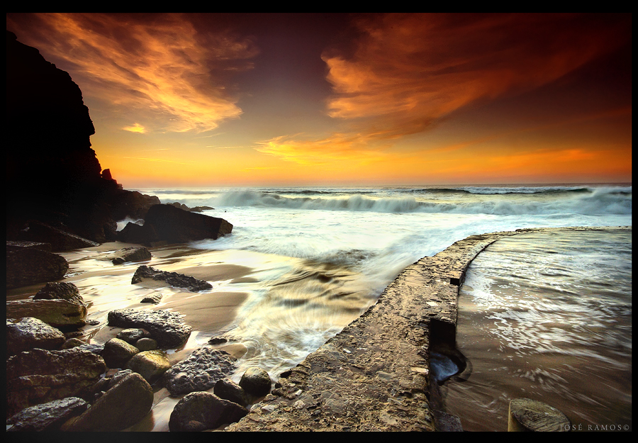 Long exposure waterscape sunset photography in Azenhas do Mar, located in Sintra, made by landscape photographer José Ramos from Portugal