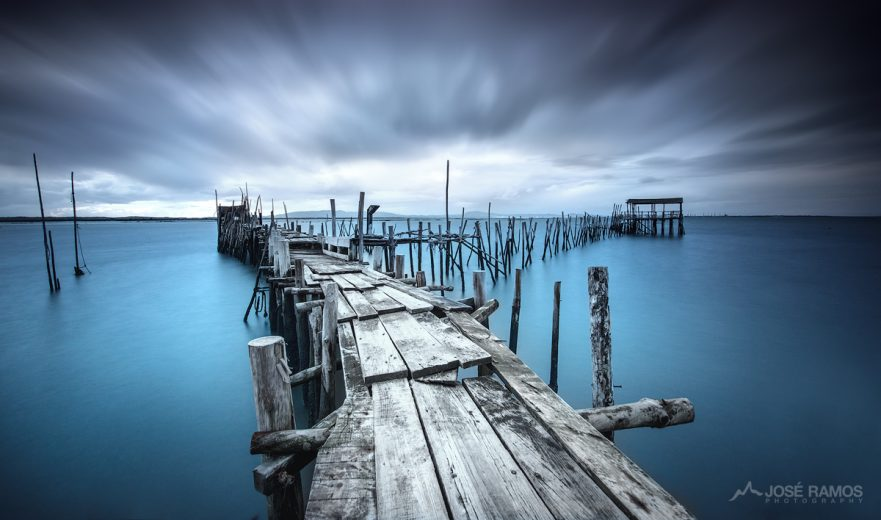 Long exposure photography in the Carrasqueira Palafite Pier located in the Alentejo region, made by landscape photographer José Ramos from Portugal