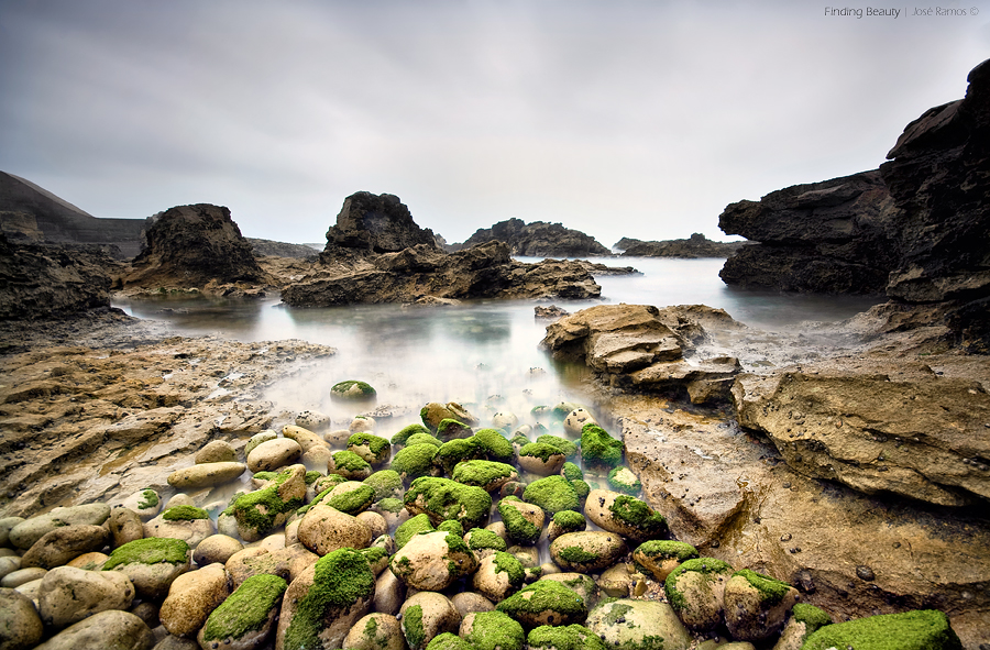Long exposure waterscape photography in Cabo Raso, located in Guincho, in the Parque Nacional de Sintra Cascais, made by landscape photographer José Ramos from Portugal