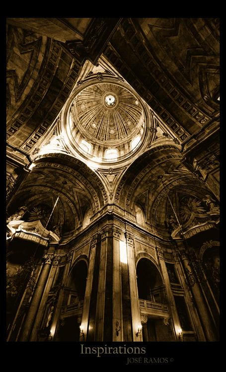 Architecture photography in Basílica da Estrela, located in Lisbon, shot by landscape photographer José Ramos from Portugal