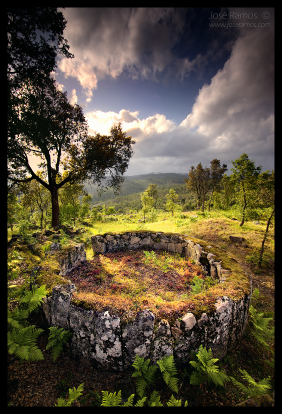 Landscape photography in Citânia de Briteiros, located in Guimarães, shot by landscape photographer José Ramos from Portugal