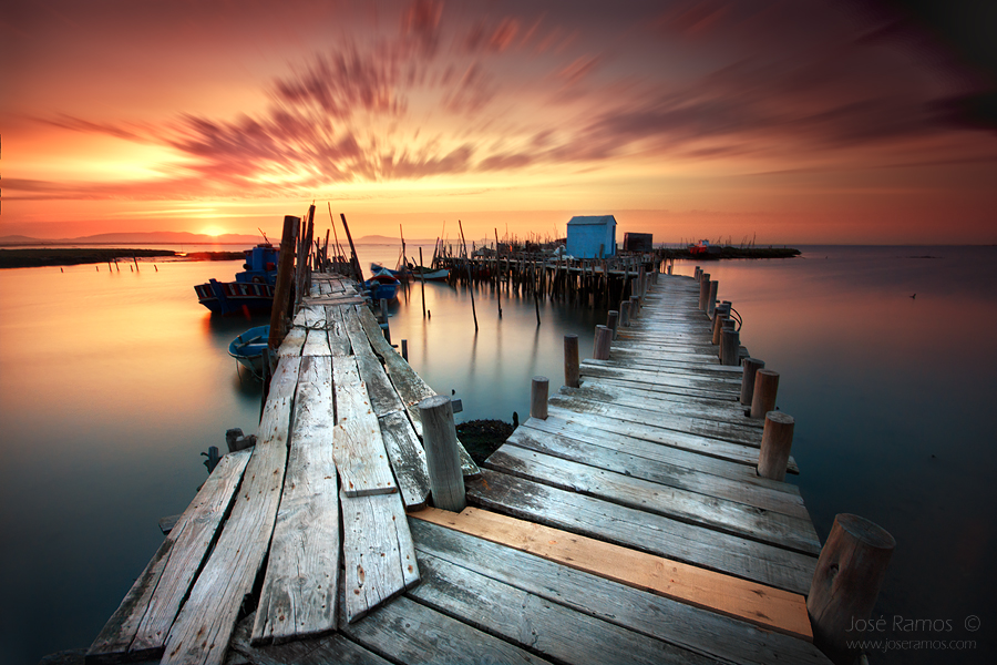 Long exposure waterscape photography in the palafite peer of Carrasqueira, located in the Alentejo region, made by landscape photographer José Ramos from Portugal