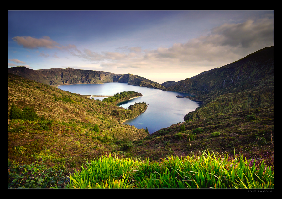 Landscape photography in Lagoa do Fogo, in S. Miguel Island, located in the Azores, shot by landscape photographer José Ramos from Portugal