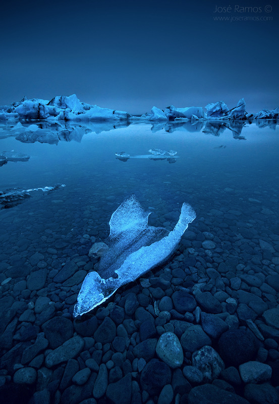 Long exposure waterscape photography in the Jokulsarlon glacier lagoon, located in Iceland, shot by landscape photographer José Ramos