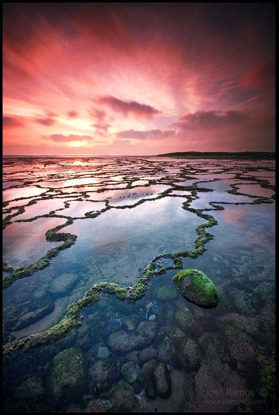 Long exposure waterscape photography in Vila Nova de Milfontes, located in Alentejo, during sunset, shot by landscape photographer José Ramos from Portugal