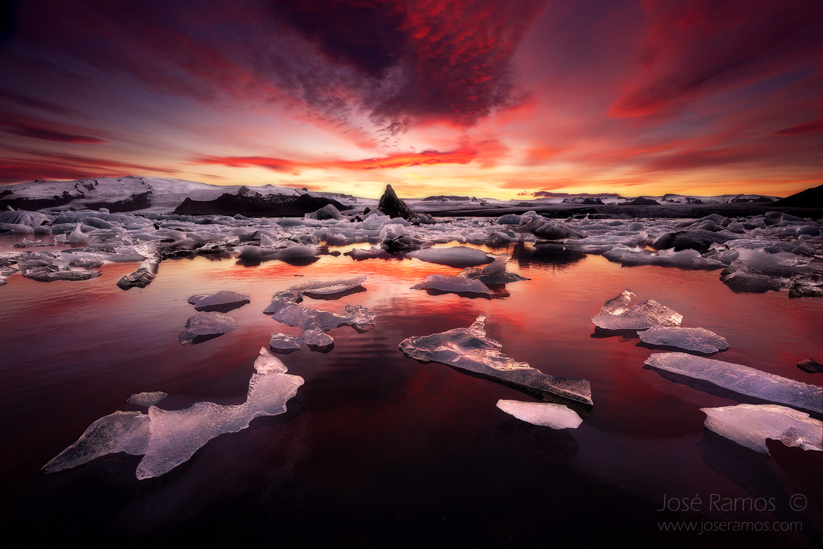 Long exposure landscape photography in Jokulsarlon Glacier Lagoon, in Iceland, shot during sunset by landscape photographer José Ramos from Portugal