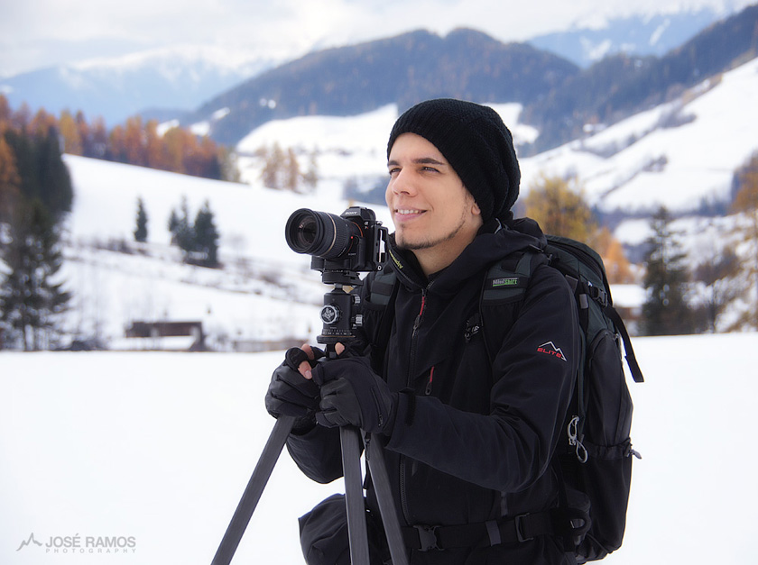 José Ramos shooting landscapes in the Dolomites with Sony Alpha, Vallerret Gloves and Mindshift Backpack