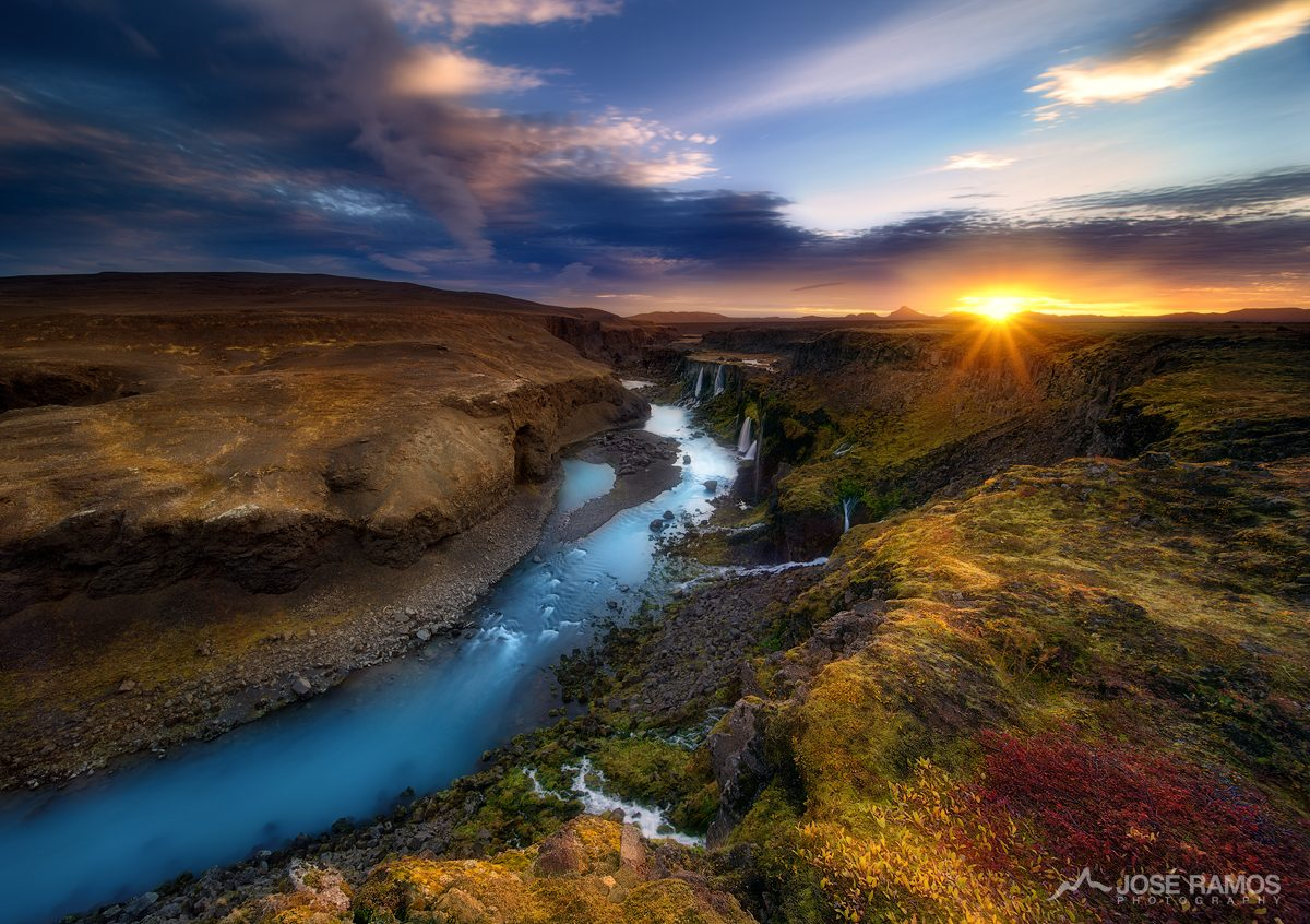 Landscape photo showing sunrise at the beautiful Sigoldugljufur Canyon in Iceland, shot by landscape photographer José Ramos