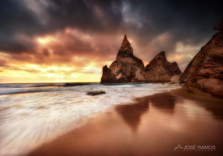 Sunset landscape photography showing Ursa Beach in Sintra, Portugal, captured by landscape photographer José Ramos
