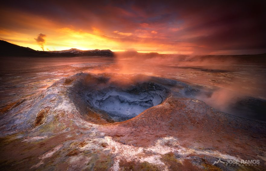 Iceland landscape photography, showing the geothermal area of Hverir Námafjall during the midnight sun, captured by landscape photographer José Ramos