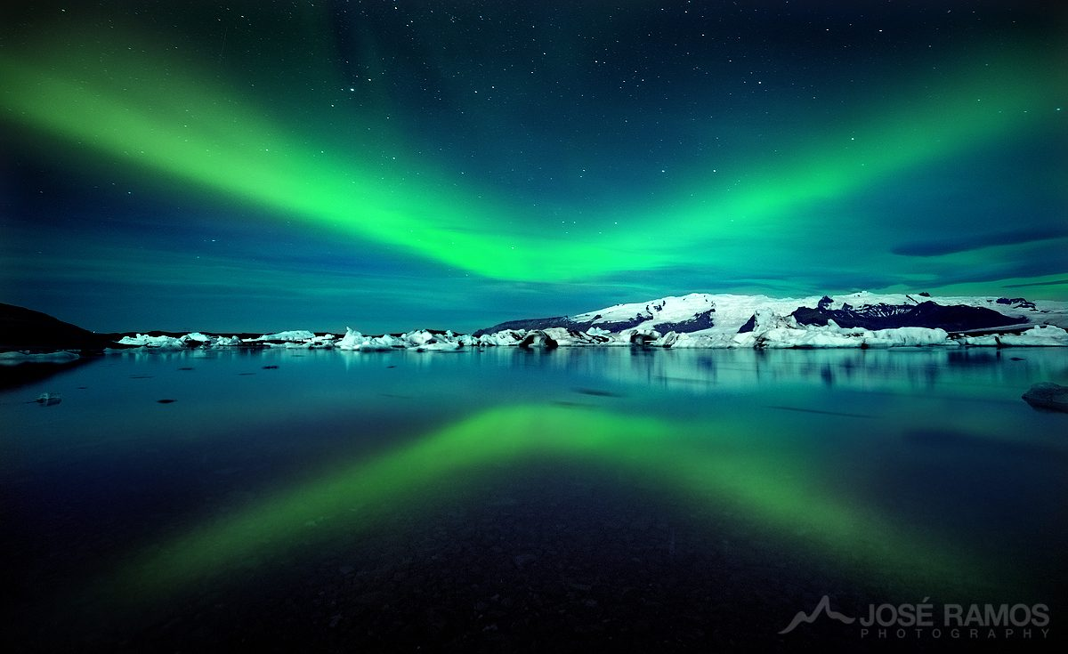 Northern lights photo in Iceland, shot in the Jokulsarlon Glacier Lagoon, captured by landscape photographer José Ramos